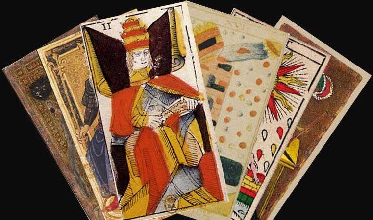 Les Anciennes Lames du Tarot Divinatoire